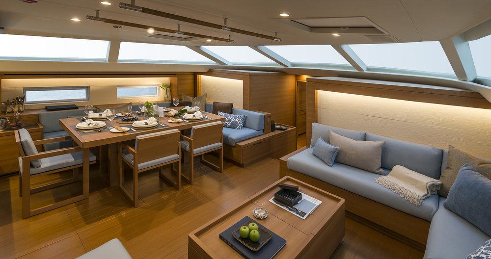 Yacht Farfalla Saloon.jpg
