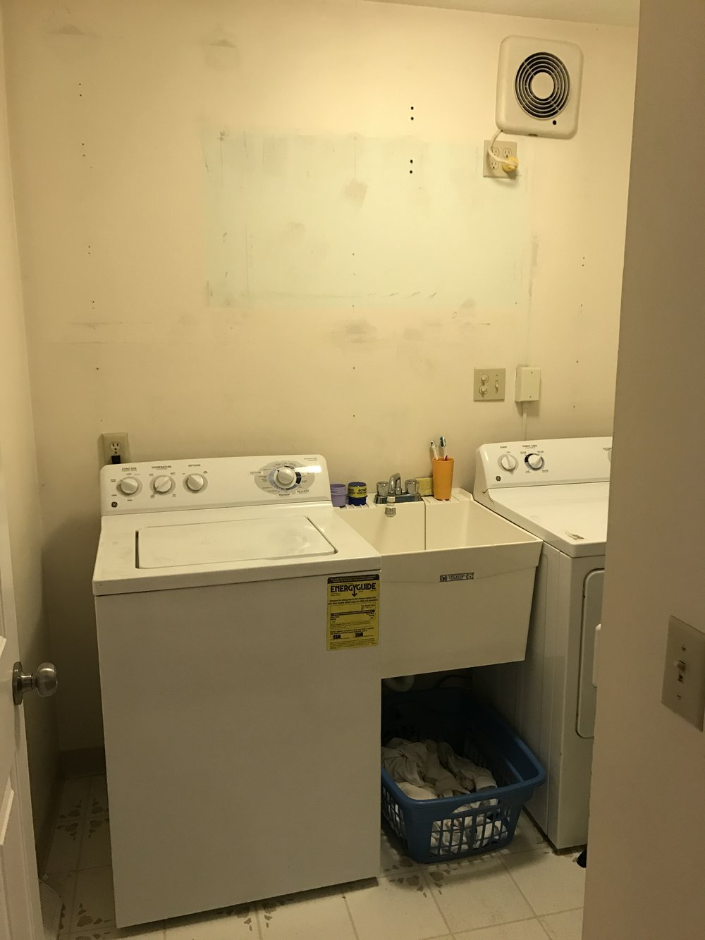 Don't judge the old washer and dryer. We got them 10 years ago when we were BROKE.
