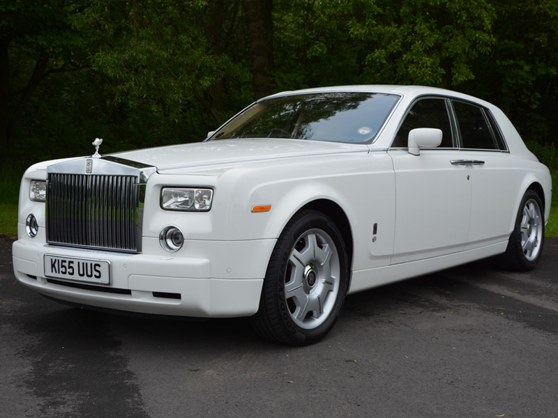 VIP Tours - We offer tours at the height of Luxury. A tour of Liverpool in a Rolls Royce Phantom. Chauffeur driver and guided by a professional tour guide - In Style.