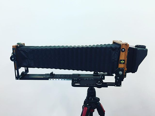 Rarely we see them like this but you can extend bellows quite the distance on our folding cameras. How much do you like shooting macro? Do you find using bellows extension useful? Did you know you can even go further with more extensions? #chamonixviewcamera #woodencamera #largeformatfilm #largeformatcamera #filmphotography #filmcamera