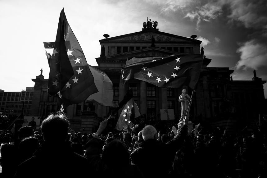 """Tausende bei """"Pulse of Europe"""" in Berlin"""