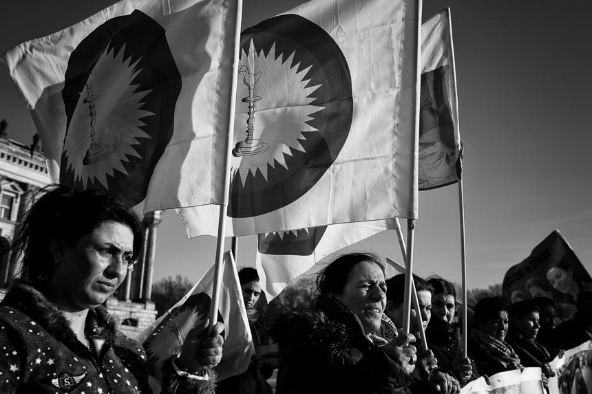 Kundgebung in Berlin gegen Angriffe auf Jesiden im Irak