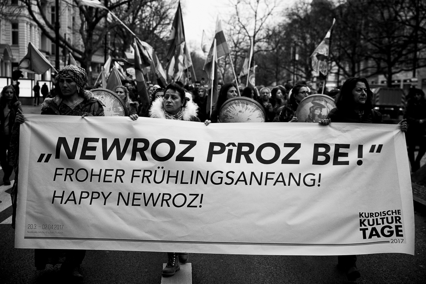 Kurden demonstrieren zum Newroz Fest in Berlin