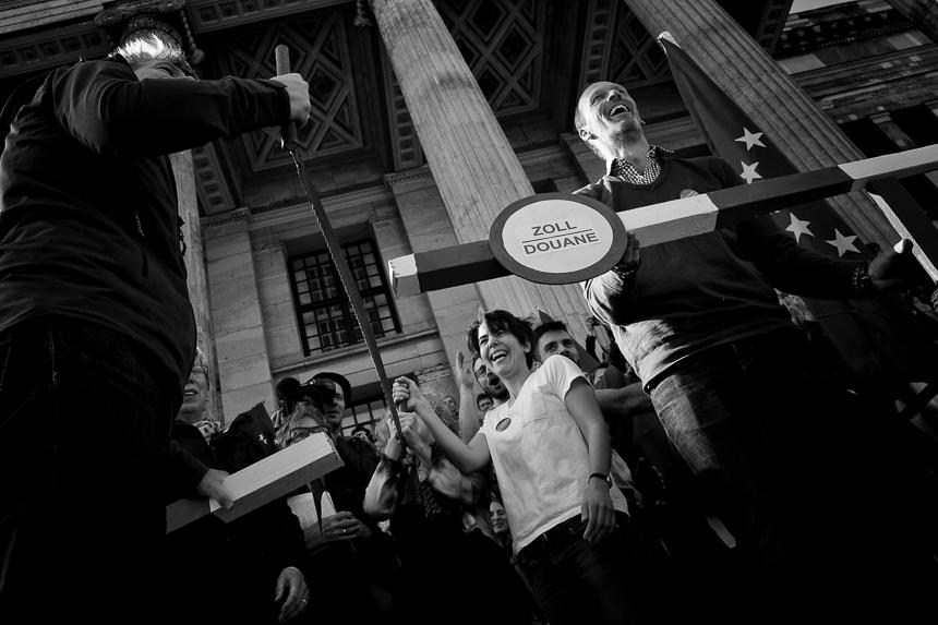 Pulse of Europe bringt in Berlin Tausende auf die Straße