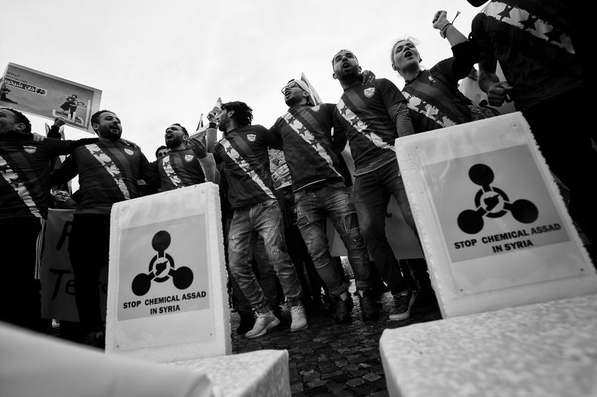 Syrer protestieren in Berlin gegen das Regime von al-Assad