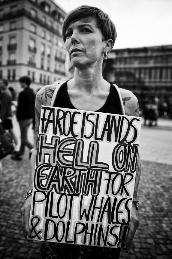 Protest in Berlin gegen Grindwaljagd auf den Faröer Inseln