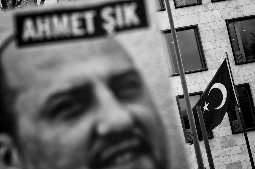 Mahnwache in Berlin für Pressefreiheit in der Türkei