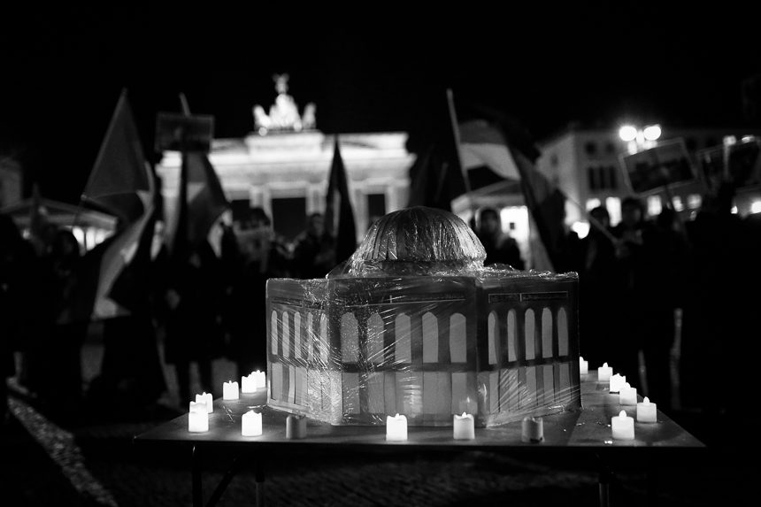 Palästinenserinnen protestieren in Berlin gegen Jerusalem-Besch