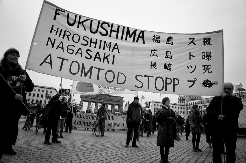 Erinnerung an das atomare Unglück in Fukushima in Berlin