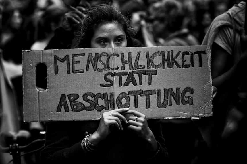 Tausende bei Seebrücke Demonstration in Berlin
