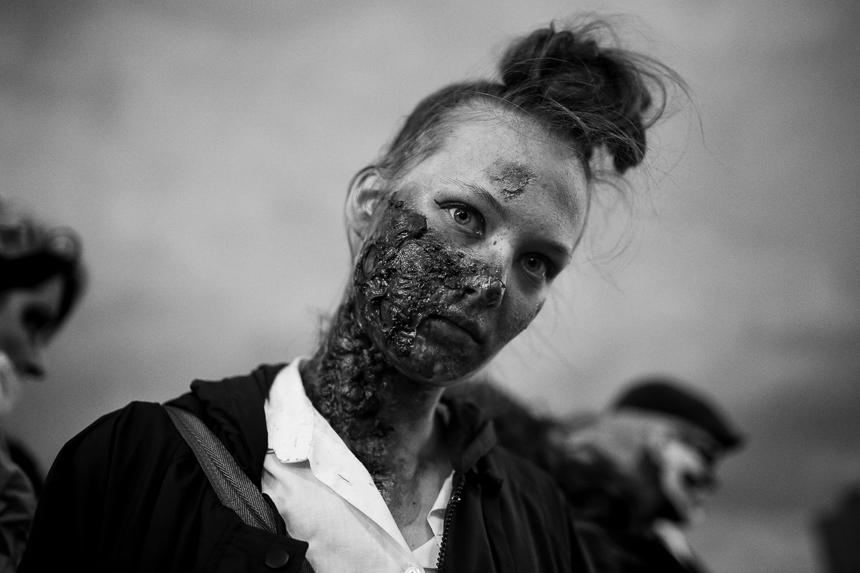 Zombiewalk zu Halloween durch Berlin