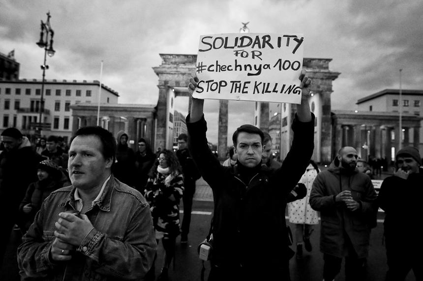 Protest in Berlin gegen Verfolgung Homosexueller in Tschetscheni