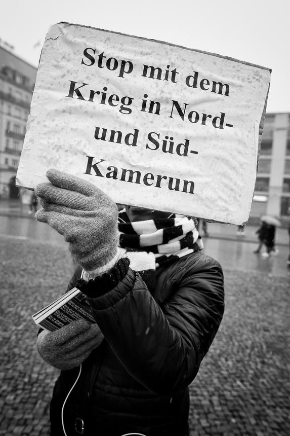 Kameruner protestieren in Berlin gegen Präsident Paul Biya