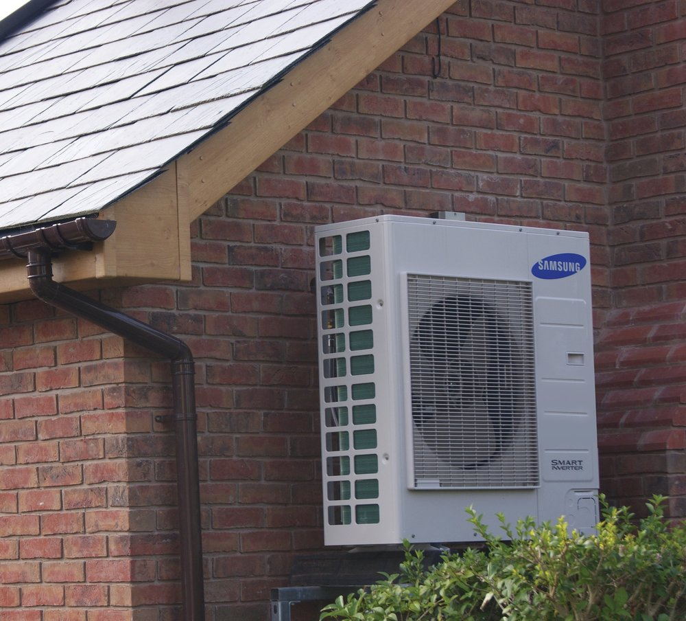 Easy to install - the Samsung GEN % Air Source Heat Pump