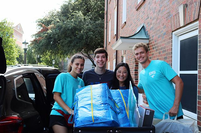 MOVE-IN DAY SUCCESS! We are over the moon to have our first-year students home and can't wait for the year to unfold!! #boazfam #boazbees 💙💛🐝