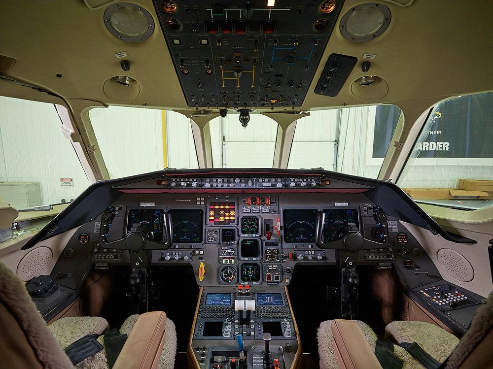 20180402_Dumont_Falcon2000-N226QS_05355 2.jpg