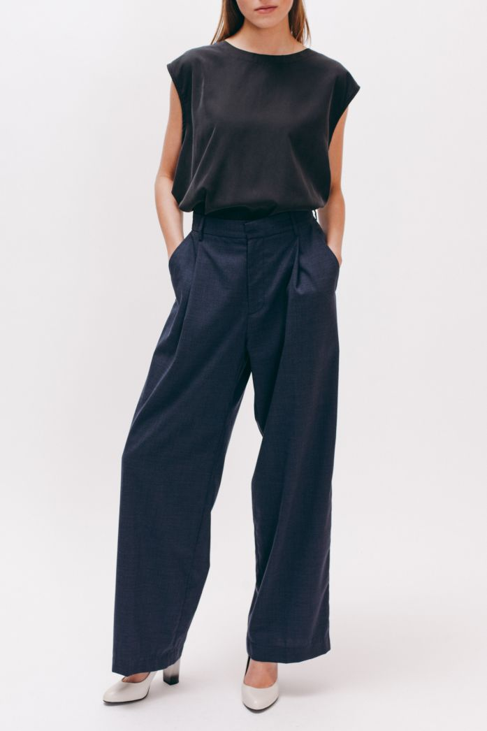MAIDEN NOIR - Pleated Long Trouser
