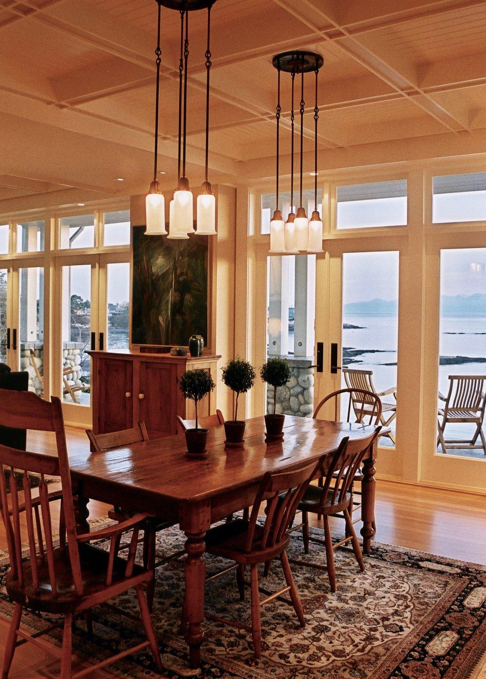 7. Dining Room.jpg