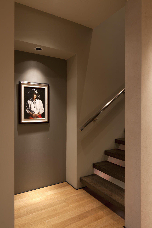 11. Stairs up.jpg