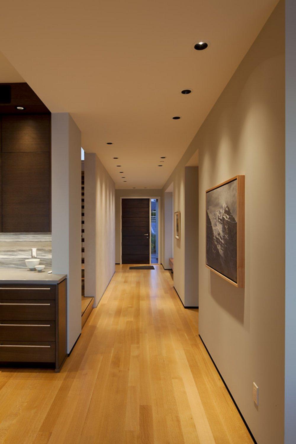 10. Hallway.jpg