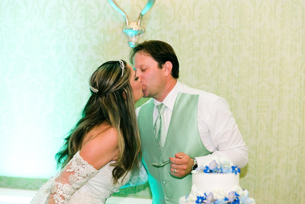 lizzieandtonywedding_jaxconnolly.com_FB-128.jpg