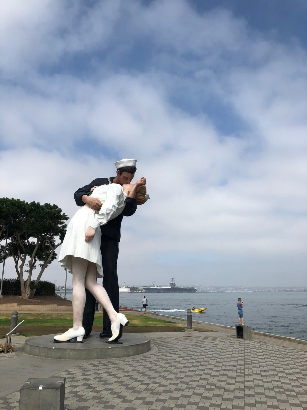 Sailor kissing nurse sculpture in San Diego.jpg