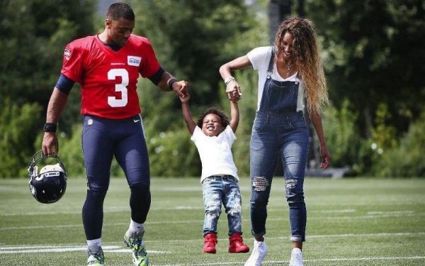 Russell-Wilson-Baby-Future.jpg