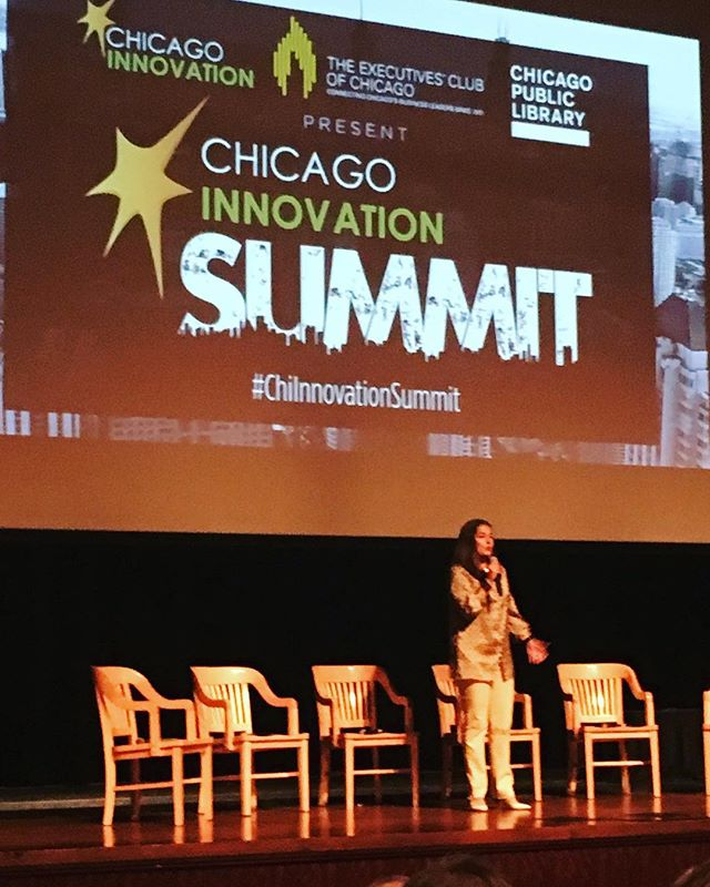 Ana Dutra with @execclubchicago welcoming attendees to @chi_innovation summit ! #simchicago #innovation #chicago