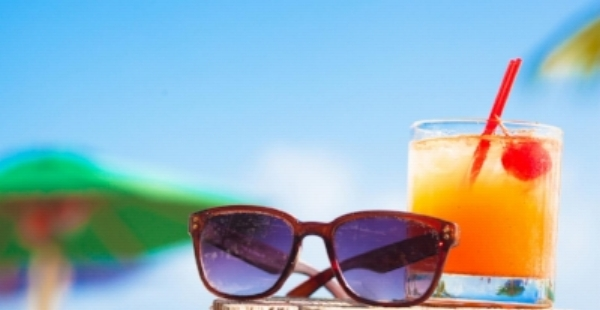 summer_party_sunglasses_cocktail_.jpg