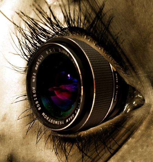 http://orig11.deviantart.net/2b48/f/2012/113/e/4/camera_eye_by_evalithimortality-d4xc1x1.png