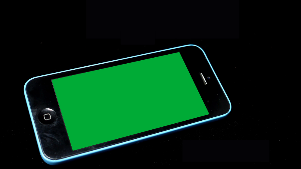 a-smartphone-with-chroma-key-green-screen-on-black-background-online-shopping-or-app-concept-4k-video_4ynuo8ize__F0000.png