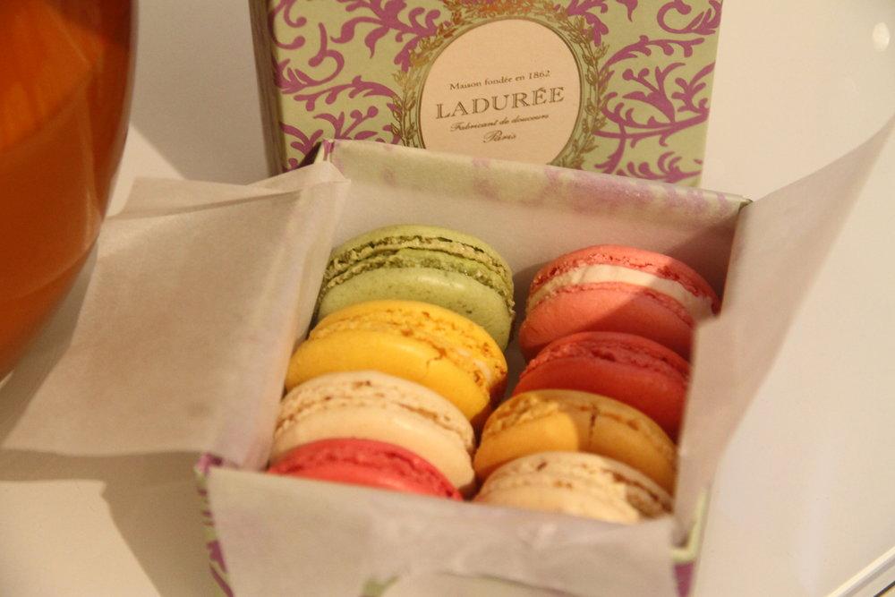 Laduree - Macarons box