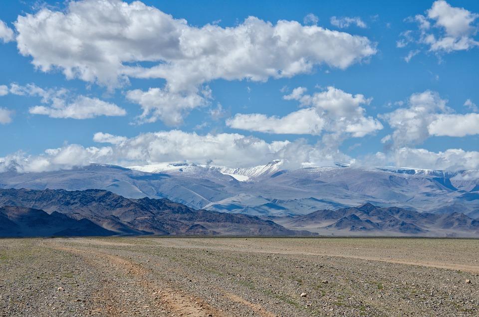 1 - gobi desert.jpg