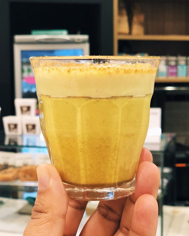 Liquid flu shot 💉 aka our house blend Turmeric Latte great with Almond 🥛 and Honey 🍯 #goldenmilk #tumericlatte #brisbanecafe #brisbane #winteriscoming