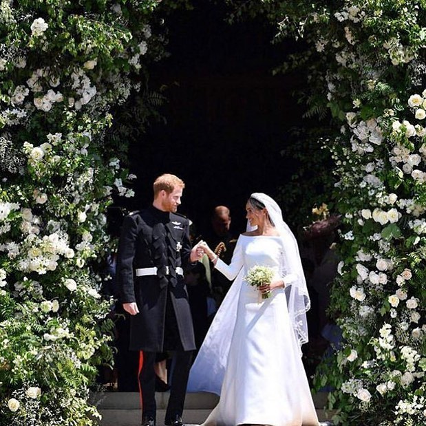 This dress did not disappoint. & that arch?! ✨ Congrats to the royal couple! ✨ #royalwedding