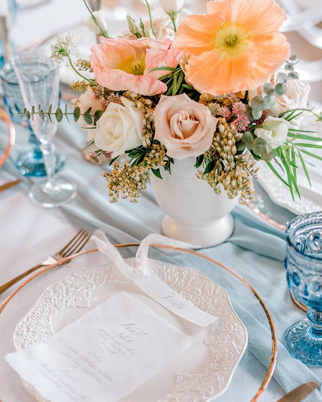 It was so much fun styling this fresh & airy look. I tend to use a lot of moody hues, so it was nice to work with a brighter palette. #belovedweddings 💙 . . . Photography: @chloebuiephoto   Florals: @fallforflorals   Rentals: @modernluxerental @greateventsrent   Venue: @theacreageweddings   Stationary: @debbiewongdesign  #weddingdetails #calgaryengagement #yycbridalspecialist #calgarybridalguide #yycweddingstylist #yycweddingvendors #yycwedlist #calgarywedlist #calgaryweddinglist #calgarywedding #yycwedding #calgarybride #yycbride #yycgroom #weddingday #brideinspo #yycbrides #yycbridetobe #calgarybrides #yycweddingflorist #yycweddingphotographer #calgaryweddingvenue #calgaryweddingdecor #yycweddingdecor
