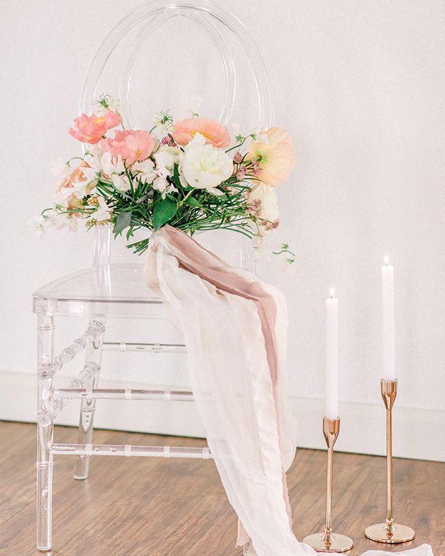Simply beautiful 🌸 . . . #weddingdetails #calgaryengagement #yycbridalspecialist #calgarybridalguide #yycweddingstylist #yycweddingvendors #yycwedlist #calgarywedlist #calgaryweddinglist #calgarywedding #yycwedding #calgarybride #yycbride #yycgroom #weddingday #brideinspo #yycbrides #yycbridetobe #calgarybrides #yycweddingflorist #yycweddingphotographer #calgaryweddingvenue #calgaryweddingdecor #yycweddingdecor #calgaryweddingplanning #belovedweddings