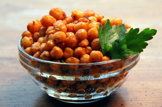 Spicy Spanish Paprika-Roasted Chickpeas
