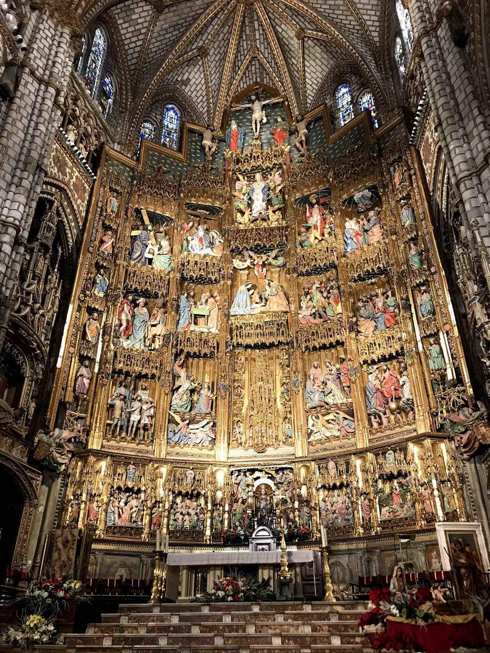 ChurchColorfulWallOfSaintsIMG_9492.jpg