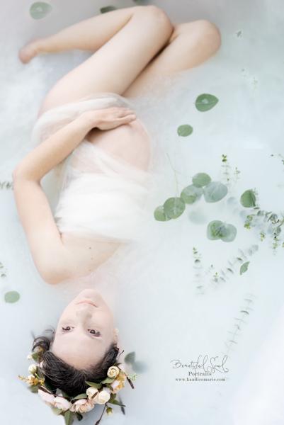 Milk bath maternity photo session 26 weeks. Surrogate pregnancy Lexington SC