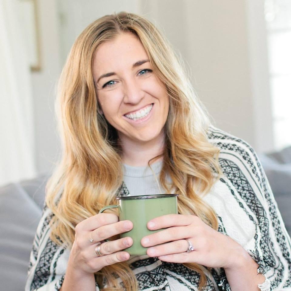 Kelsey Chapman - Entrepreneur. Podcaster. Digital Strategist.