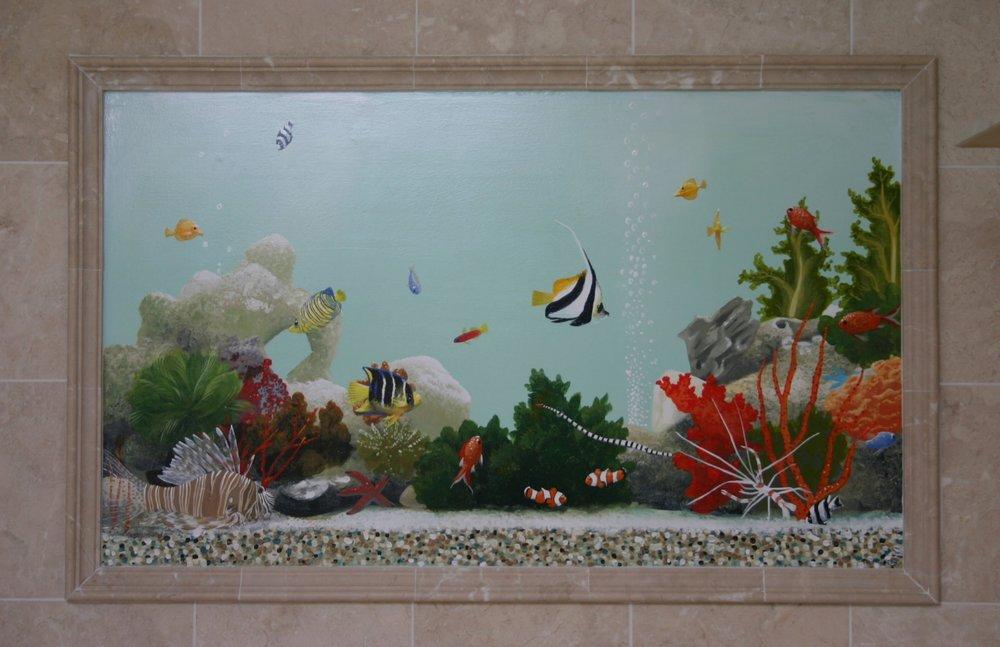 Trompe l'oeil fish tank!