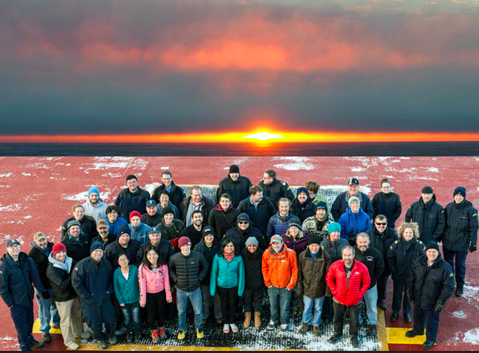26 Scientists and 55 Crew for a final shot after the month-long voyage