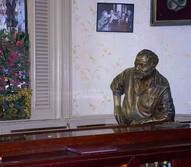 Hemingway looking a little lonely at El Floridita in Old Havana #hemingway #literature #alcohol #daiquiris #music #nightlife #travel #statues #bars #havana #cuba
