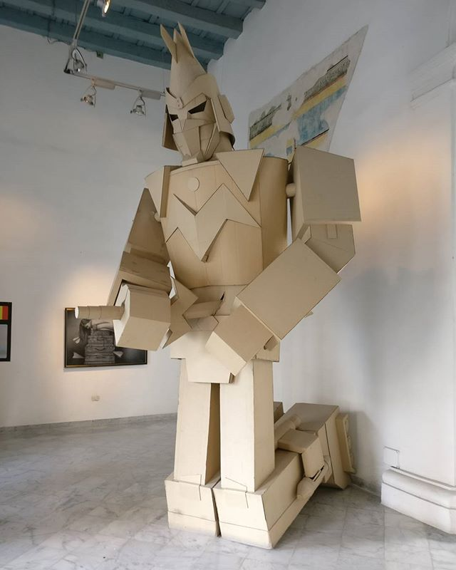 You never know what you're going to find in #oldhavana. #havana #cuba #travel #robot #cardboard #sculpture #art
