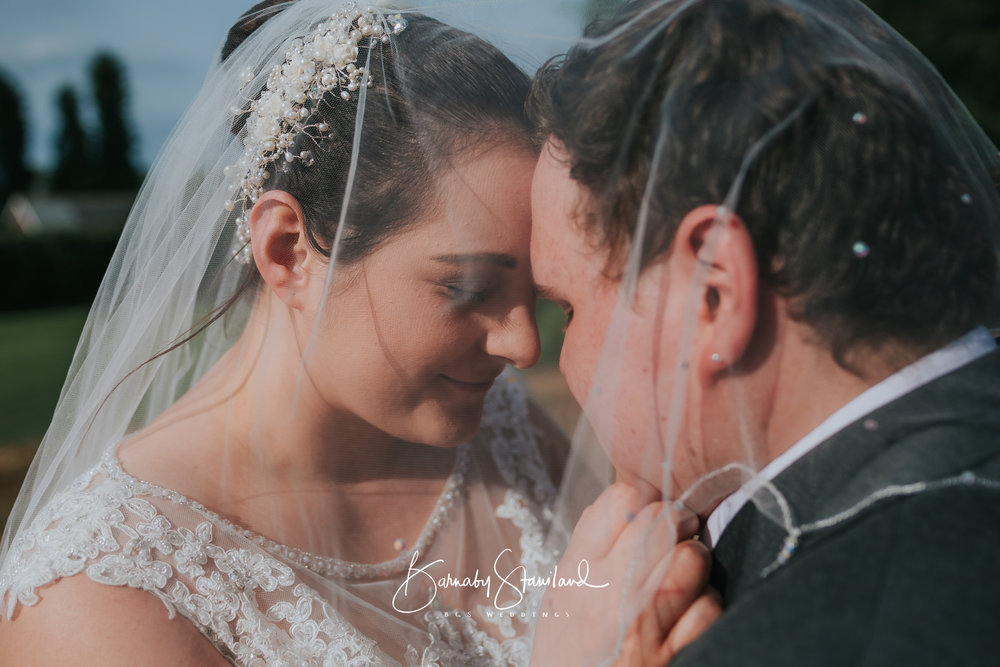 Stamford-Wedding-Photographer-Rutland-1085.jpg