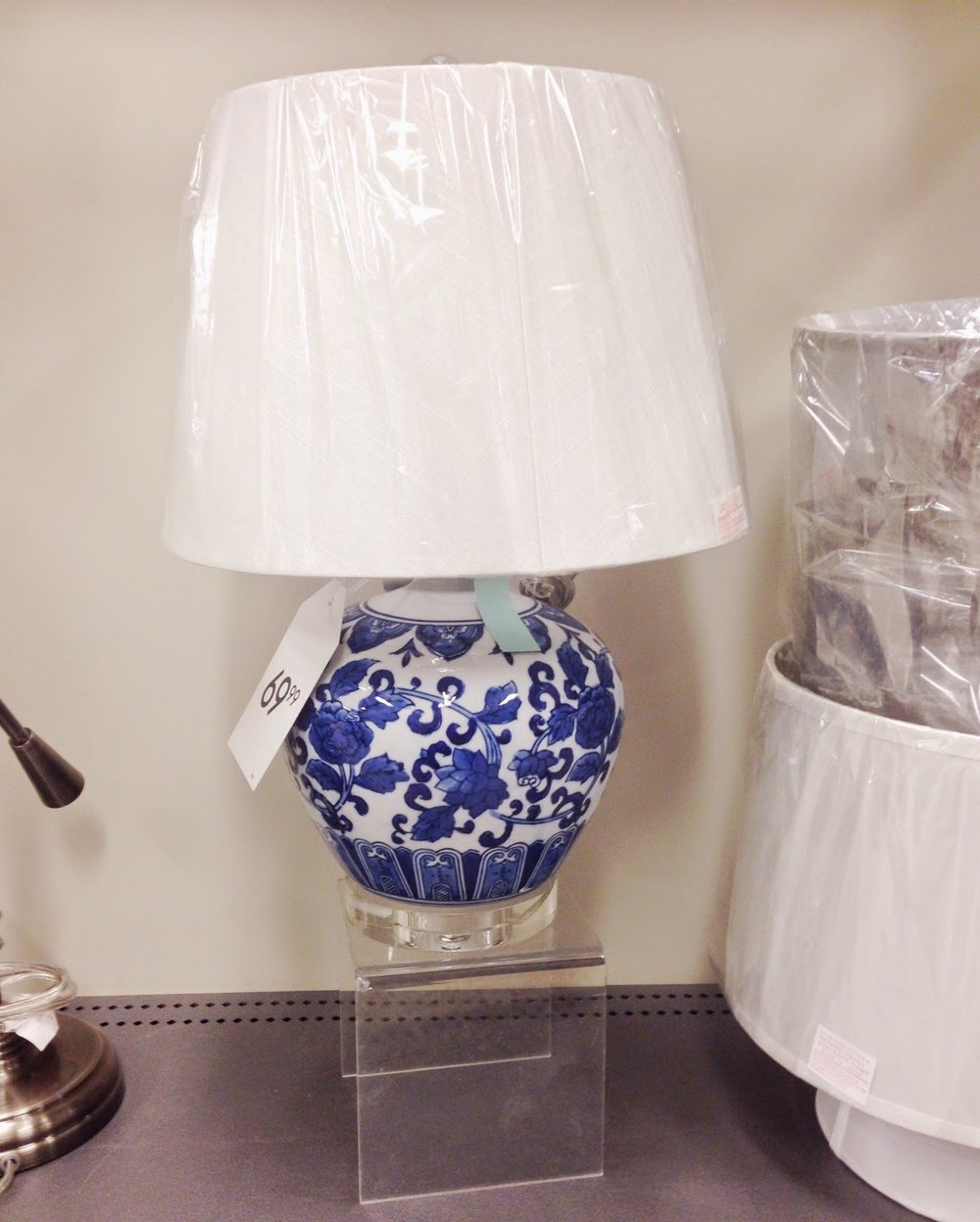 This Blue And White Ginger Jar Lamp Is A Dream! I Wish I Had A Place For  It! Sadly I Donu0027t, So Can Someone Please Buy It So I Can Live Vicariously  ...