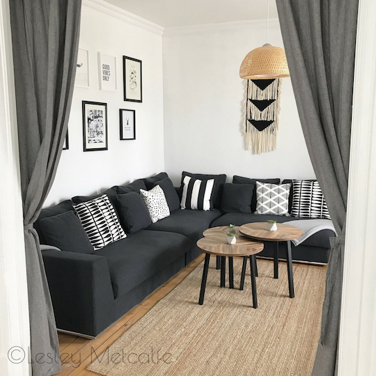 sage-house-prince-edward-county-pec-airbnb-living-room-portrait-watermark.png