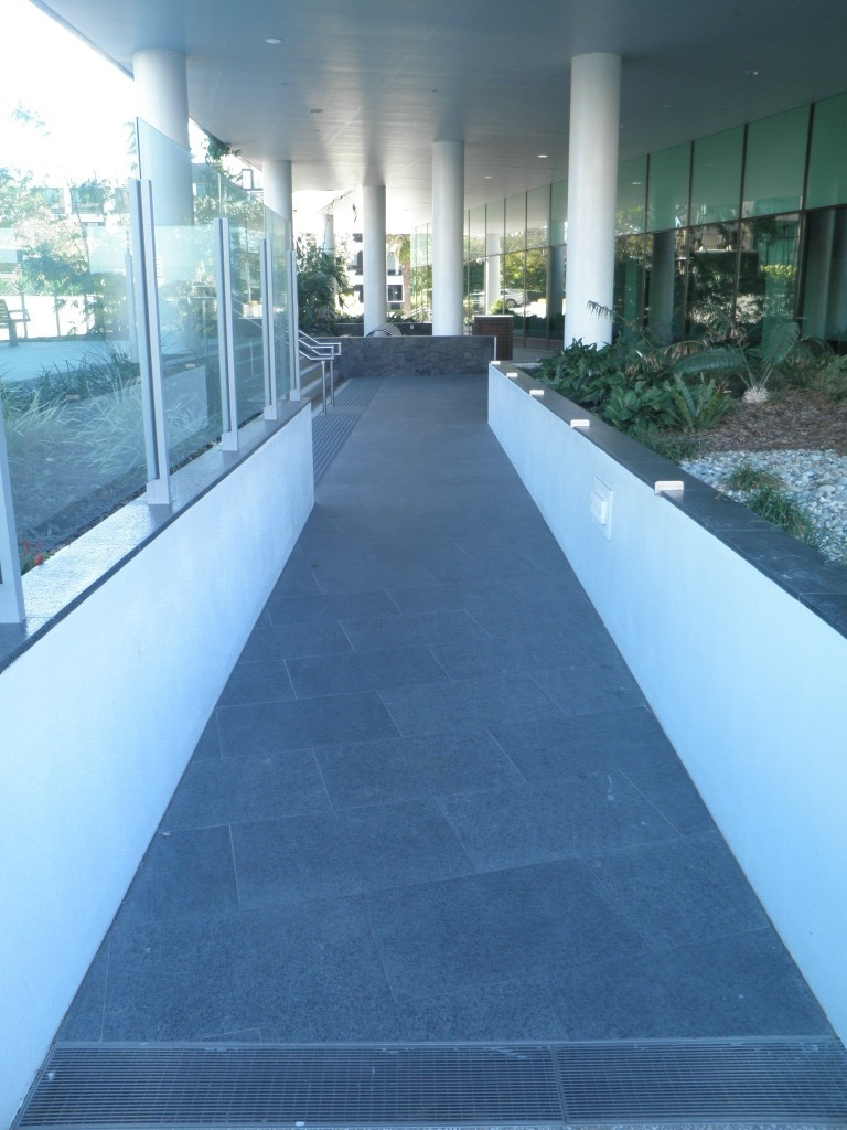 CDOP4 Black Granite flamed Paving .JPG