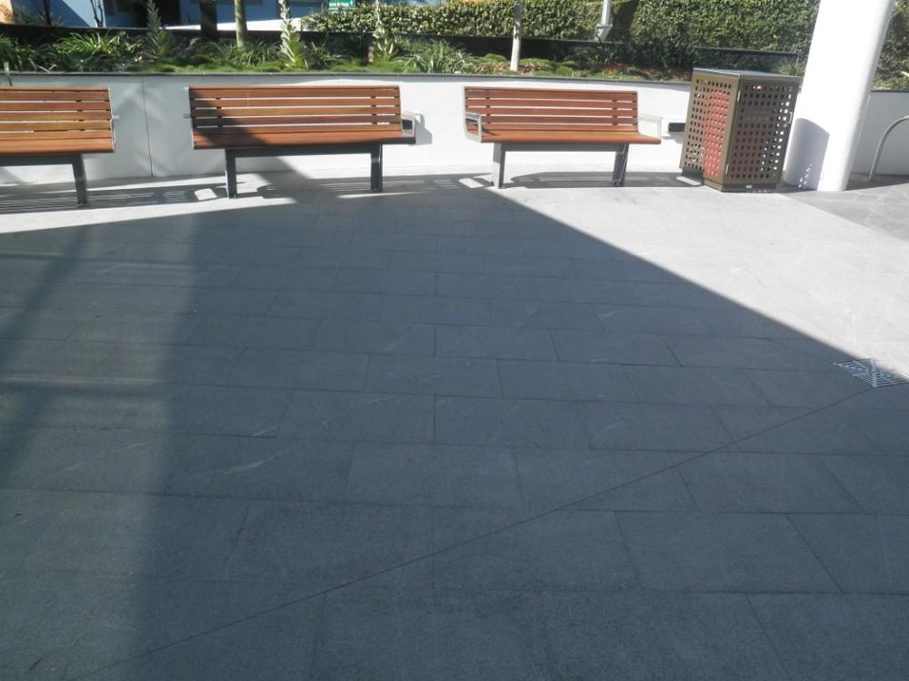 CDOP4 Paving Grey Granite 600x400 Flamed .JPG